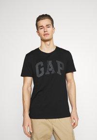 GAP - BASIC ARCH 2 PACK - Print T-shirt - true black - 1