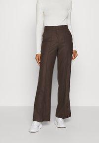 Marc O'Polo PURE - WIDE LEG PANTS HIGH WAISTED PINTUCKS - Trousers - mocca brown - 0