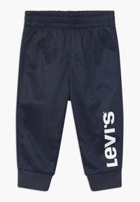 Levi's® - VERTICAL LOGO SET - Trainingspak - dress blues - 2