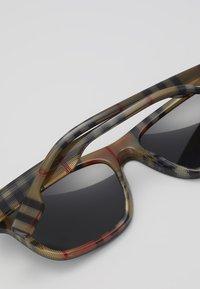 Burberry - Sunglasses - black - 5