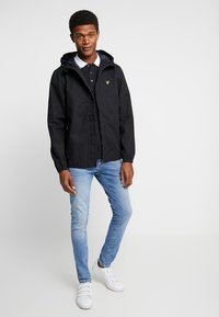 Lyle & Scott - JACKET - Summer jacket - true black - 1
