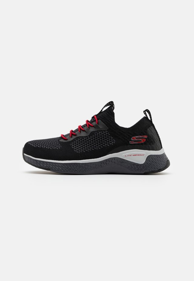 SOLAR FUSE CROZAR - Sneakers laag - black/grey/red
