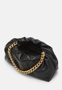 PARFOIS - CROSSBODY BAG REVIVE - Kabelka - black - 2