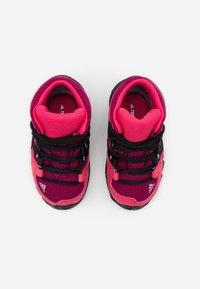 adidas Performance - TERREX RELAXED SPORTY GORETEX MID SHOES - Trekingové boty - power berry/core black/power pink - 3