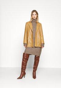 Even&Odd - Strikket kjole - brown - 1