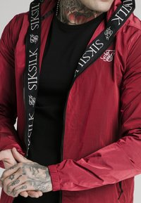 SIKSILK - ZIP THROUGH WINDBREAKER JACKET - Veste légère - red - 4