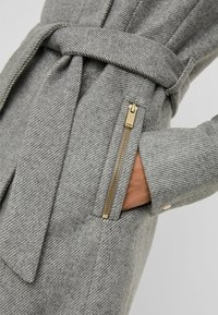 Vero Moda - Trenchcoat - light grey melange - 3