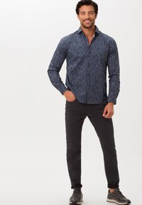 BRAX - STYLE CHUCK - Slim fit jeans - asphalt - 1