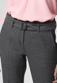 Cambio - Trousers - anthrazit - 2