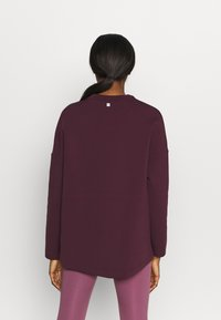 Sweaty Betty - GRACE CREW NECK  - Sweatshirt - plum red - 2