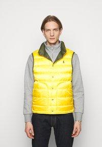 Polo Ralph Lauren - DENVER VEST - Waistcoat - dark sage/slicker yellow - 3