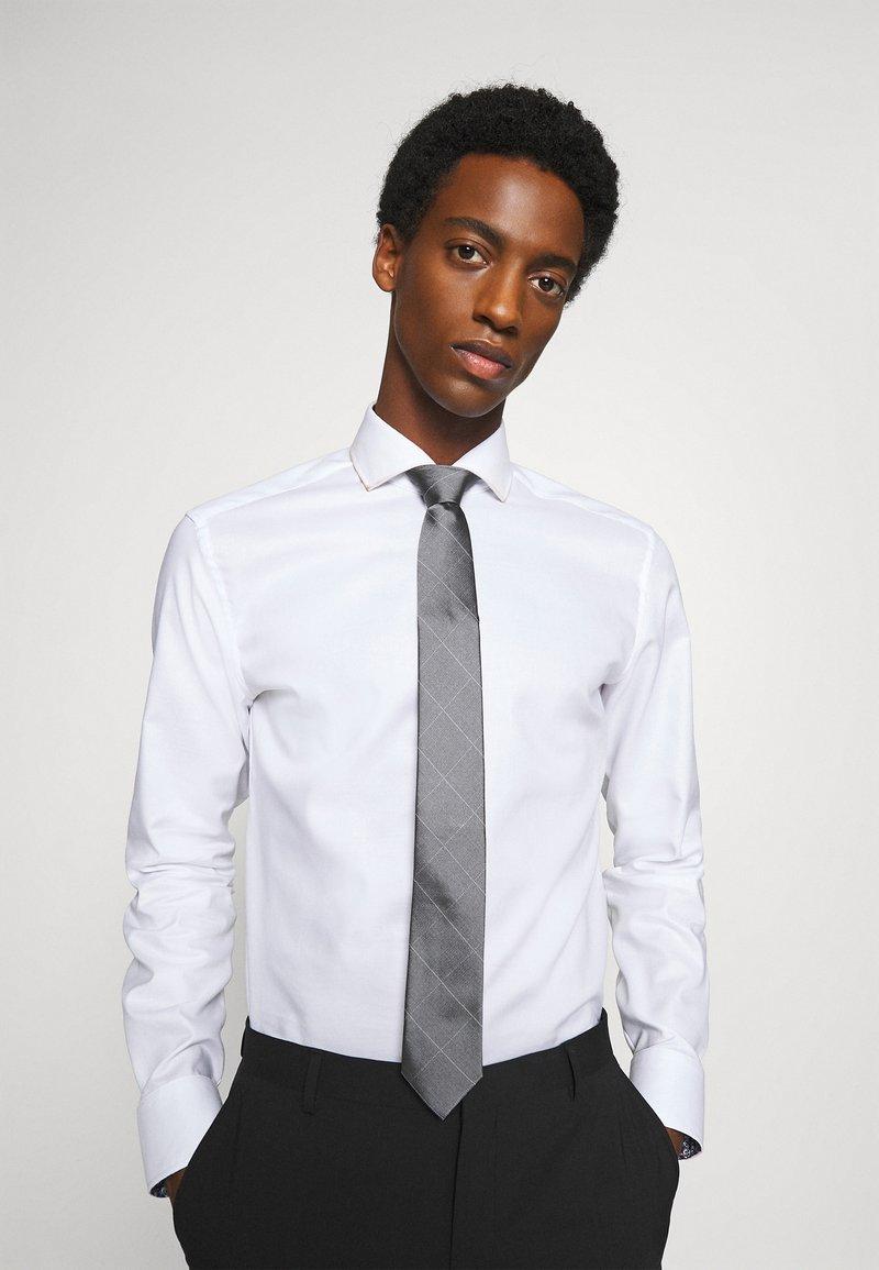 Calvin Klein - LARGE NETTED GRID TIE - Tie - grey