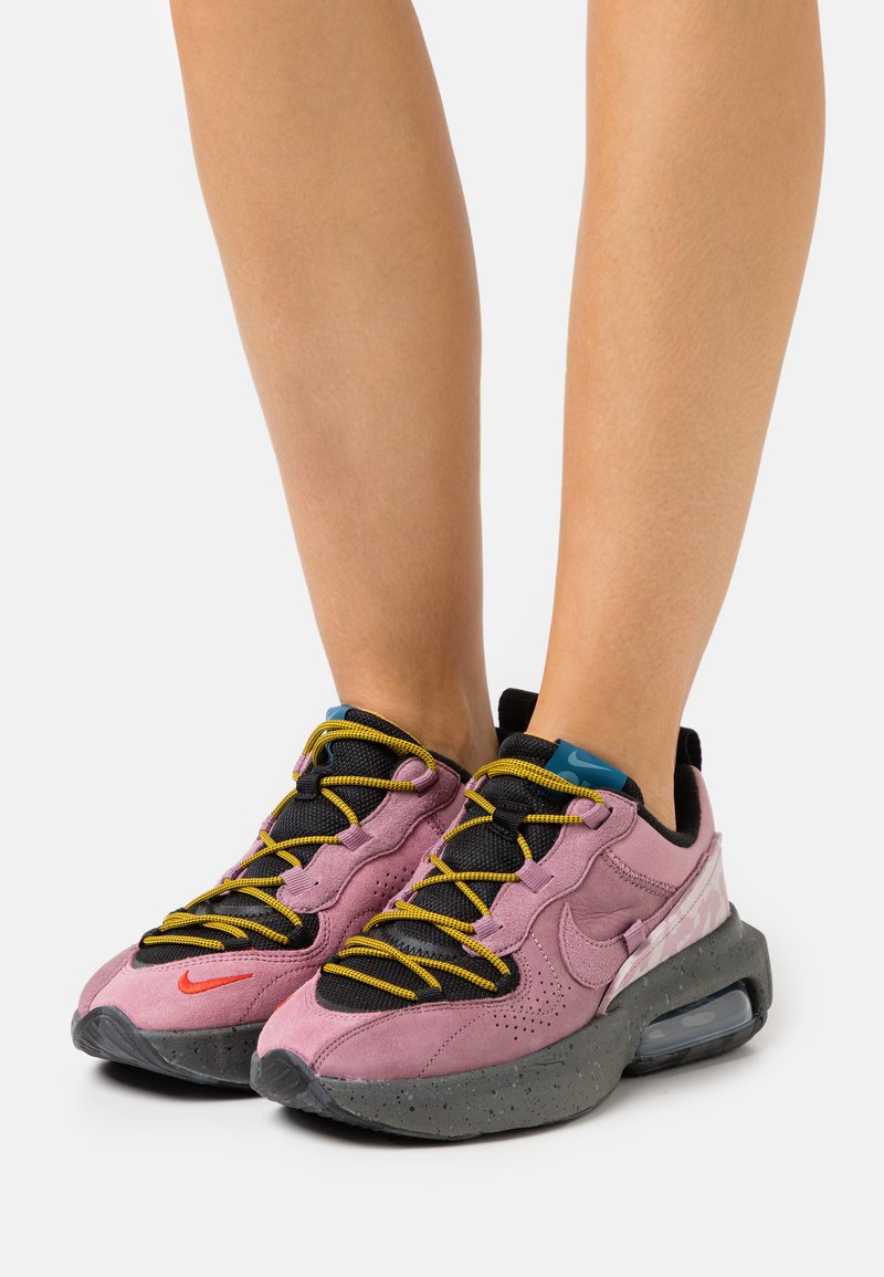 Nike Sportswear - AIR MAX VERONA 2.0 - Zapatillas - black/plum dust/dark citron/green abyss