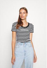Calvin Klein Jeans - STRIPES BABY TEE - Print T-shirt - black/white - 0