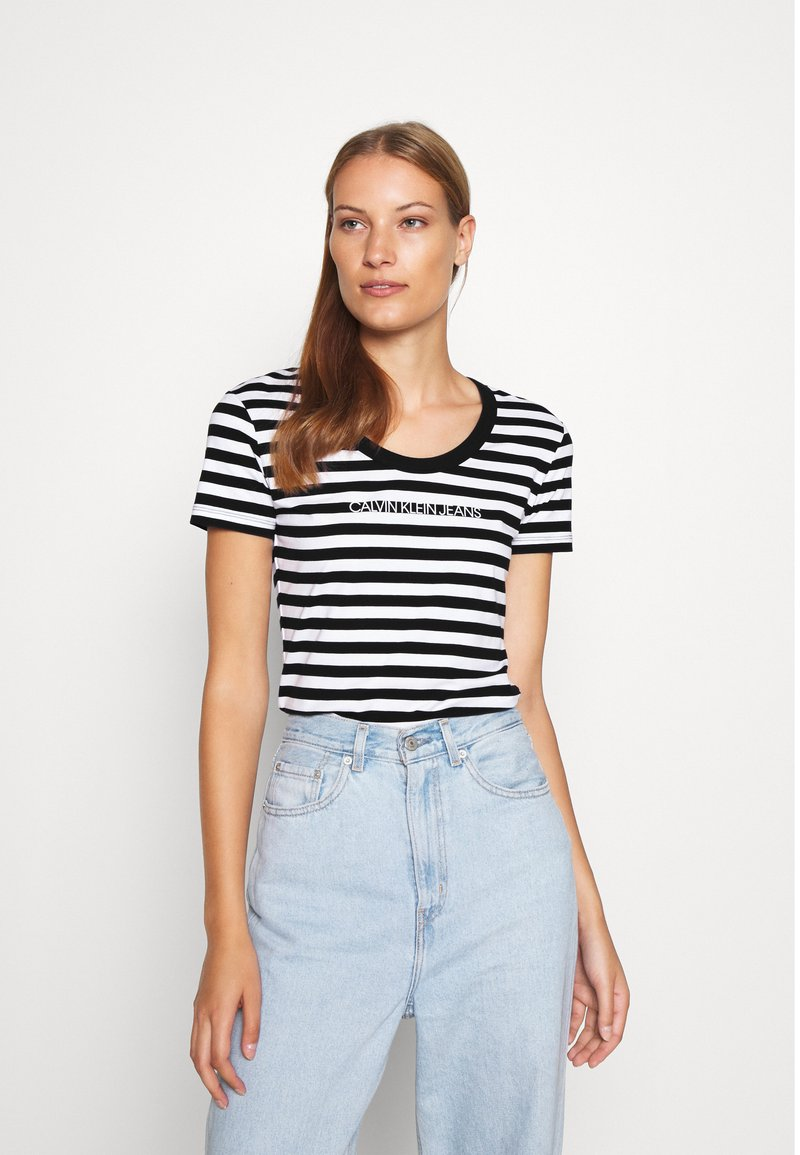 Calvin Klein Jeans - STRIPES BABY TEE - Print T-shirt - black/white