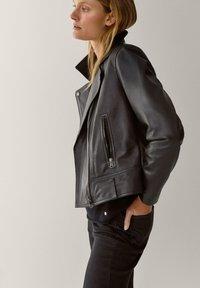 Massimo Dutti - Veste en cuir - black - 2
