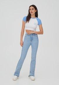 PULL&BEAR - T-shirt imprimé - white - 1