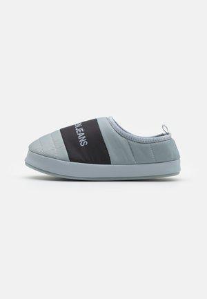 HOME SHOE SLIPPER - Slippers - marble grey