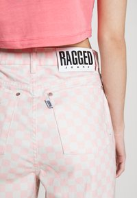 The Ragged Priest - SPECTRE - Straight leg jeans - pink/beige - 6