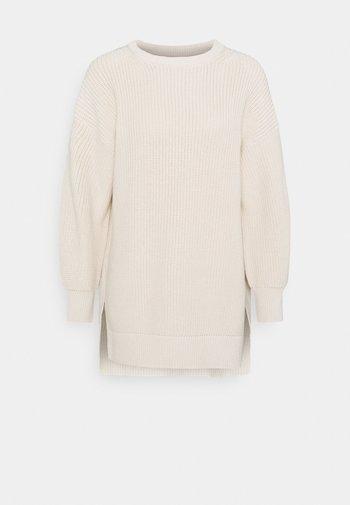LONGSLEEVE ROUND NECK - Strikkegenser - natural white