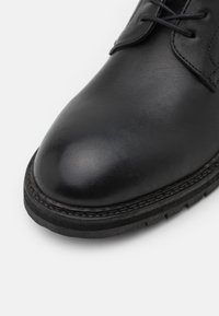 Hudson London - HOWDEN - Lace-up ankle boots - black - 5