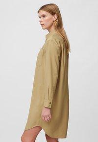 Marc O'Polo - DRESS CUFFED SLEEVE - Shirt dress - sandy beach - 3