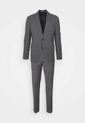 FLAP FULLY LINED VENTS FLAT FRONT TROUSER SET - Oblek - grey