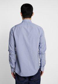 Scotch & Soda - CRISPY REGULAR FIT BUTTON DOWN COLLAR - Shirt - light blue - 2