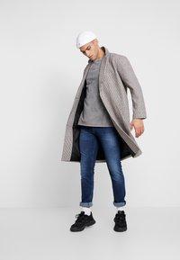 Tommy Jeans - SCANTON SLIM - Jeans slim fit - nassau dark - 1