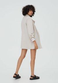 PULL&BEAR - Short coat - grey - 2