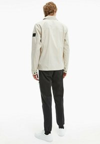 Calvin Klein - Light jacket - bleached stone - 2