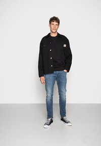 Carhartt WIP - CHASE - Sweatshirt - black/gold - 1