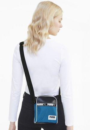CAMPUS PORTABLE - Across body bag - digi-blue