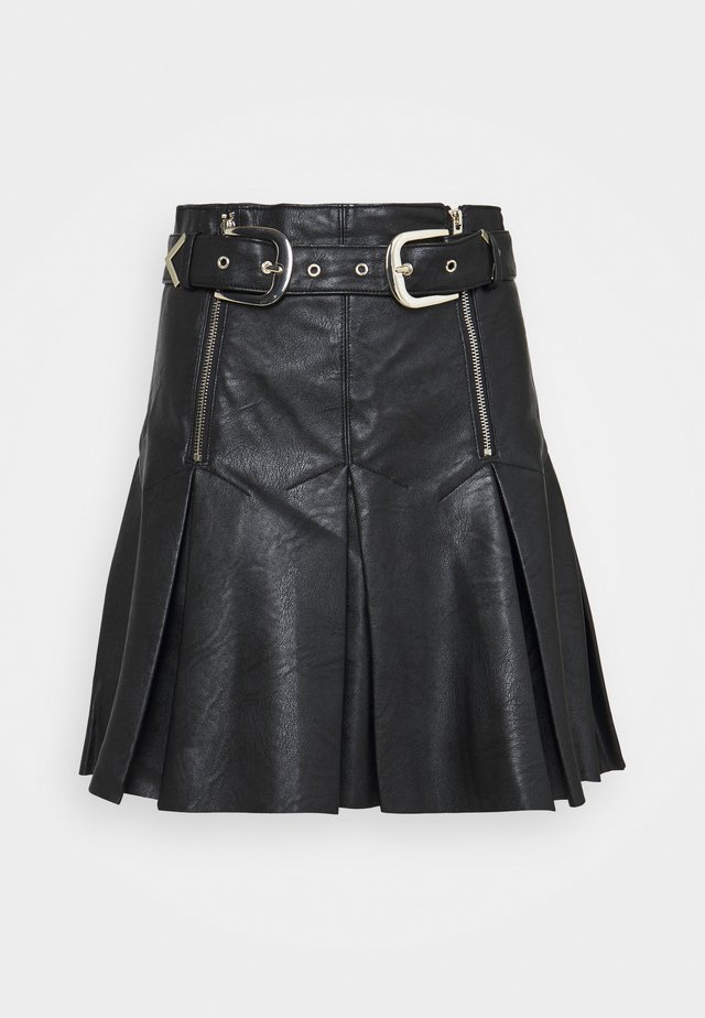 PLEAT BUCKLE MINI SKIRT - Minifalda - black