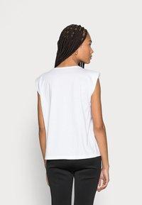someday. - KARELA - Basic T-shirt - white - 2