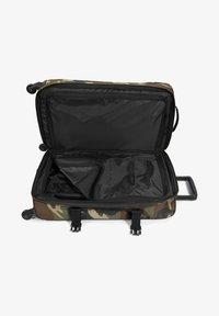 Eastpak - TRANS4 M - Wheeled suitcase - camo - 1