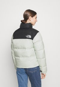 The North Face - 1996 RETRO NUPTSE JACKET - Down jacket - green mist - 2