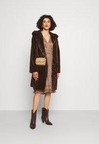 Vanessa Bruno - SLOANA - Denní šaty - ecru - 1
