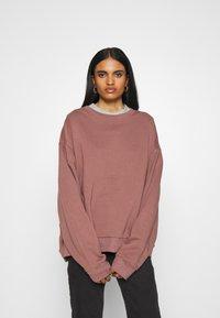 Weekday - HUGE CROPPED - Sweatshirt - brown/purple - 0