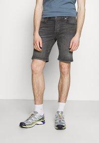 Jack & Jones - JJIRICK JJORIGINAL - Denim shorts - grey denim - 0