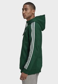adidas Originals - STRIPES HOODIE - Hoodie - green - 1