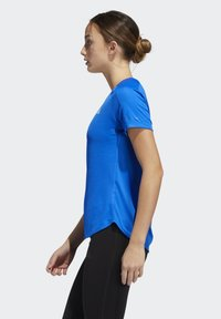 adidas Performance - RUN IT 3-STRIPES FAST T-SHIRT - Print T-shirt - blue - 4