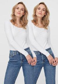 Vero Moda - 2PACK - Långärmad tröja - bright white - 3