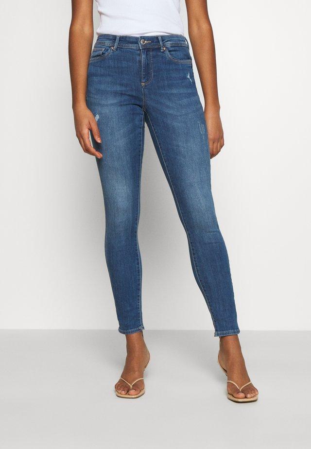 ONLWAUW LIFE MID - Jeans Skinny Fit - medium blue denim