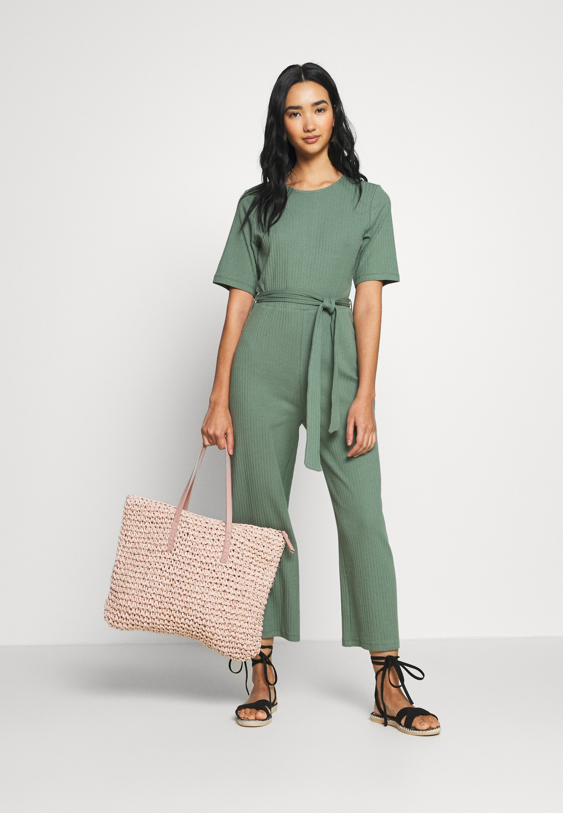 Even&Odd BASIC - Jumpsuit with belt - Overall / Jumpsuit /Buksedragter - khaki -  aNx70