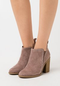 Madden Girl - ECHO - High heeled ankle boots - taupe - 0
