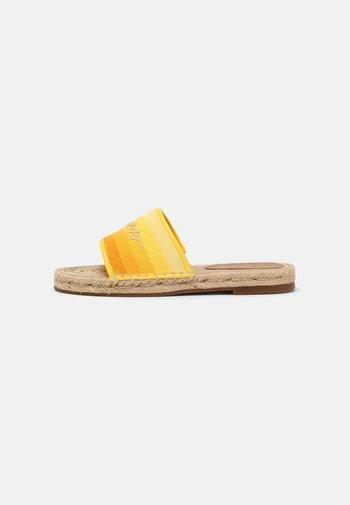 GRADIENT MULE - Mules - vivid yellow