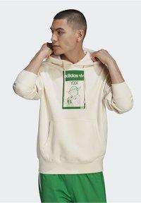 adidas Originals - Jersey con capucha - beige, light green - 0
