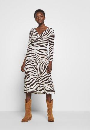 PRINTED MATTE DRESS - Jersey dress - cream/brown/multi