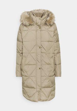 Płaszcz puchowy - almond